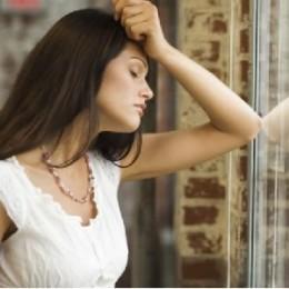 Признаки проявления послеродовой депрессии у женщин