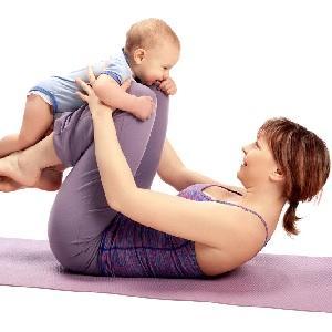 Поднимаем ребенка на ногах