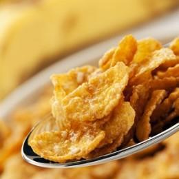 Употребление кукурузных хлопьев при грудном вскармливании допускается в умеренных количествах