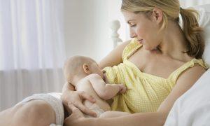 Удобное положение кормящей мамы и ребёнка