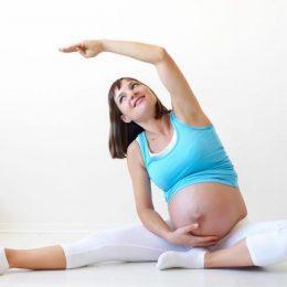 Утренняя зарядка для беременных на разных сроках и как сделать её увлекательнее с помощью фитбола