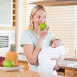 Как правильно организовать питание кормящей мамы?