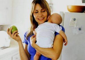 Ценность фруктов для кормящей мамы