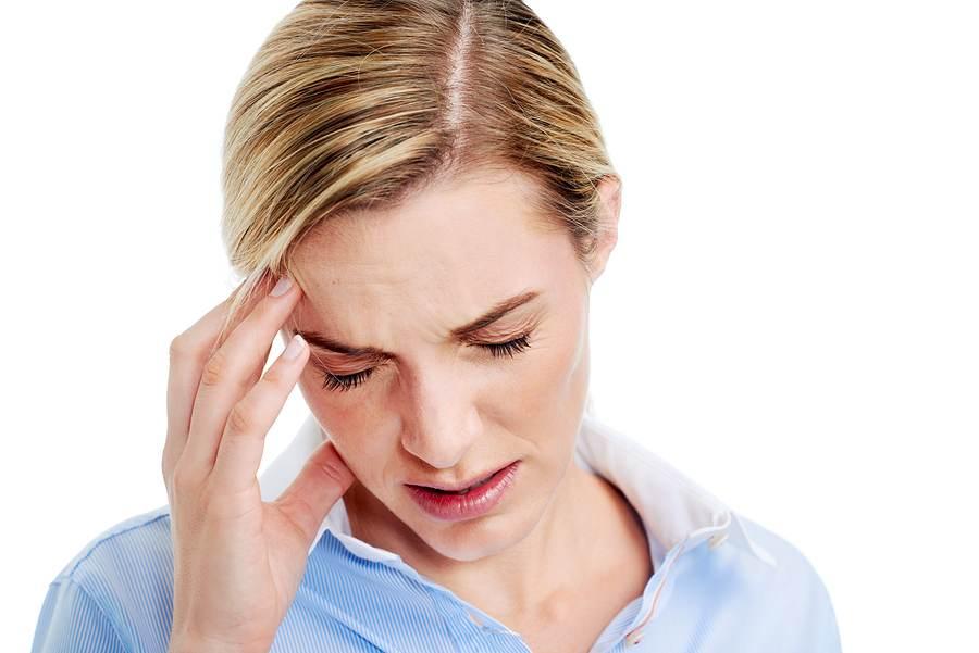 Головная боль - один из симптомов серозного мастита