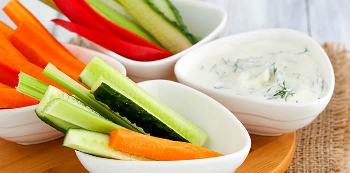 Самая полезная еда для родивших мам - свежие овощи