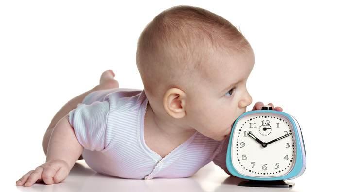 Новорожденный младенец спит 23 часа в сутки