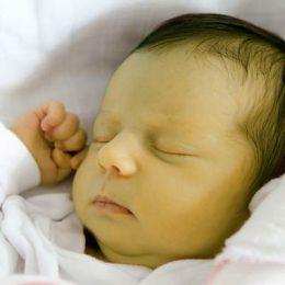 Желтуха у новорождённых: почему ребенок желтеет после родов
